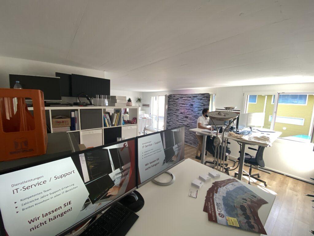 Das Büro der CRYPE Solutions GmbH vor dem Start des Tag der offenen Tür(en)
